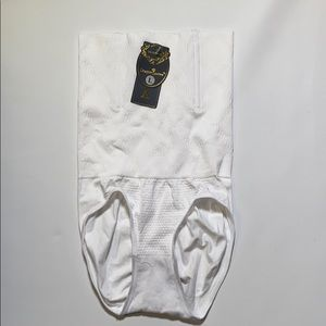 NWT Shaper Queen white womens size large